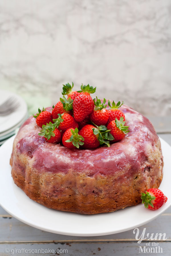 Strawberry-Cheesecake-Upside-Down-Bundt-Cake-1