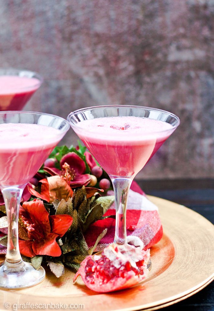 Pomegranate Martini - Three amazing holiday cocktails that are totally delicious, really festive and are quick and easy to make in your Vitamix! Fresh pomegranate puree with dry vermouth and vodka or gin.
