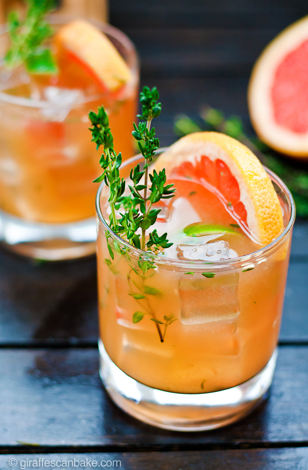 This Grapefruit and Thyme Bourbon Smash is full of bright citrus flavour and aromatic herbs, showcasing the best of winter seasonal fruit. Muddled lime and thyme, combined with fresh grapefruit juice and delicious bourbon, it's the perfect way to get the most out of those amazing grapefruits. This cocktail is refreshing, full of flavour and totally gorgeous – it's the perfect cocktail to serve at any occasion.