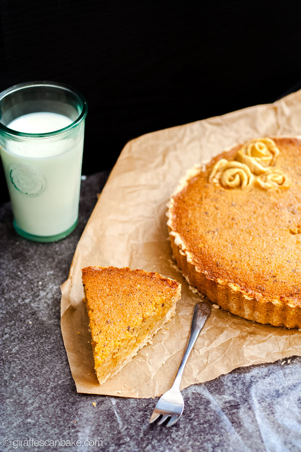 This Gluten Free Treacle Tart is an easy and delicious dessert you can serve any time, a sweet and sticky British classic! #glutenfree #tart #pie #britishdesserts